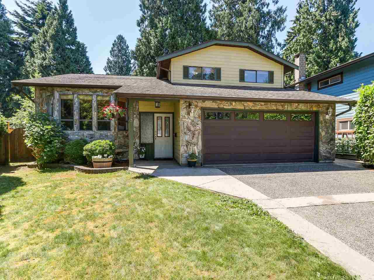 "Main Photo: 3353 FOREST GROVE Place in Port Coquitlam: Lincoln Park PQ House for sale in ""LINCON PARK"" : MLS®# R2185593"
