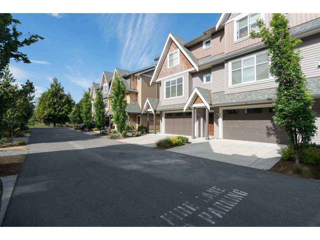 "Main Photo: 22 7428 EVANS Road in Sardis: Sardis West Vedder Rd Townhouse for sale in ""COUNTRYSIDE ESTATES"" : MLS®# R2189491"
