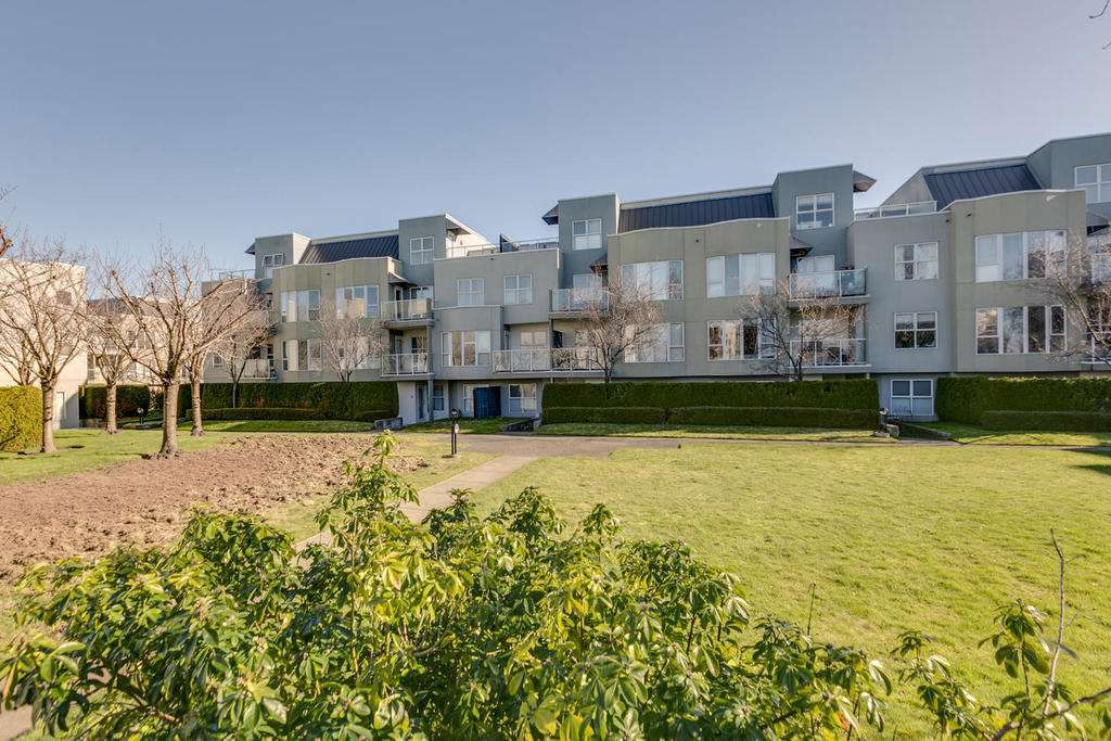 """Main Photo: 127 8620 JONES Road in Richmond: Brighouse South Condo for sale in """"SUNNY VALE"""" : MLS®# R2239932"""