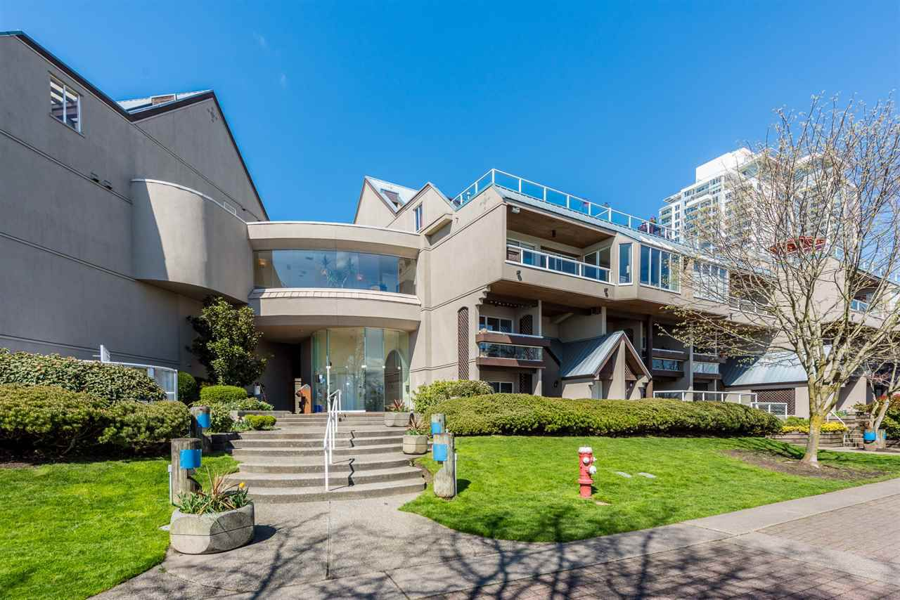 "Main Photo: 307 5 K DE K Court in New Westminster: Quay Condo for sale in ""Quayside Terrace"" : MLS®# R2359596"