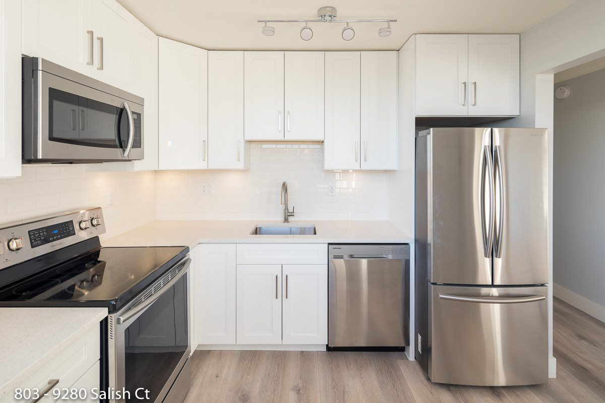 """Main Photo: 803 9280 SALISH Court in Burnaby: Sullivan Heights Condo for sale in """"EDGEWOOD PLACE"""" (Burnaby North)  : MLS®# R2374022"""
