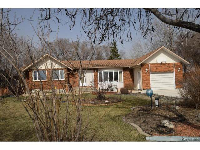 Main Photo: 571 ADDIS Avenue in WSTPAUL: Middlechurch / Rivercrest Residential for sale (Winnipeg area)  : MLS®# 1509147