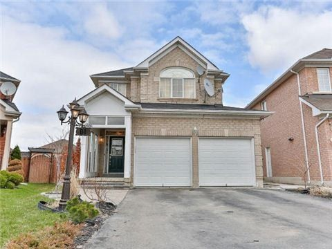 Main Photo: 4 Stirrup Court in Brampton: Fletcher's Creek Village House (2-Storey) for sale : MLS®# W3263577