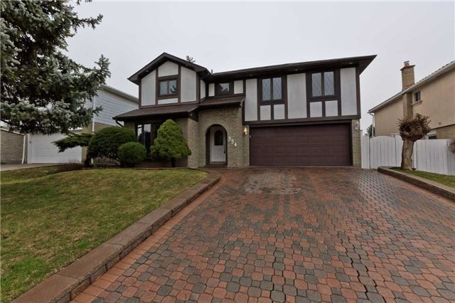 Main Photo: 354 Fiona Terrace in Mississauga: Mississauga Valleys House (2-Storey) for sale : MLS®# W3751188
