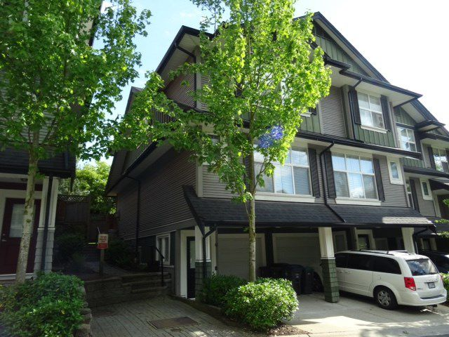 Main Photo: 61 18199 70 AVENUE in Surrey: Cloverdale BC Townhouse for sale (Cloverdale)  : MLS®# R2169999