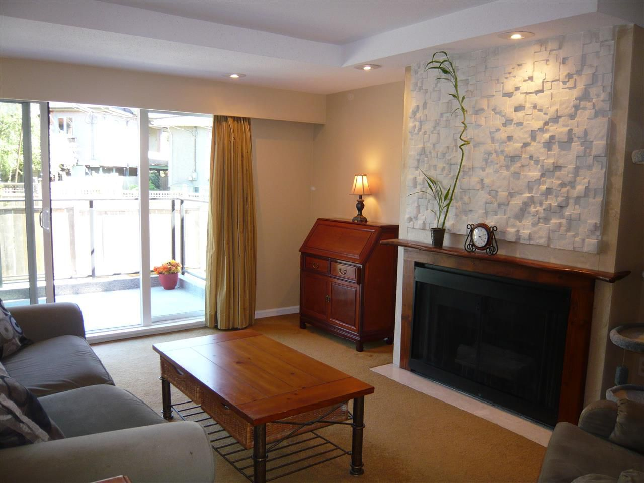 Main Photo: 309 2336 WALL Street in Vancouver: Hastings Condo for sale (Vancouver East)  : MLS®# R2182968