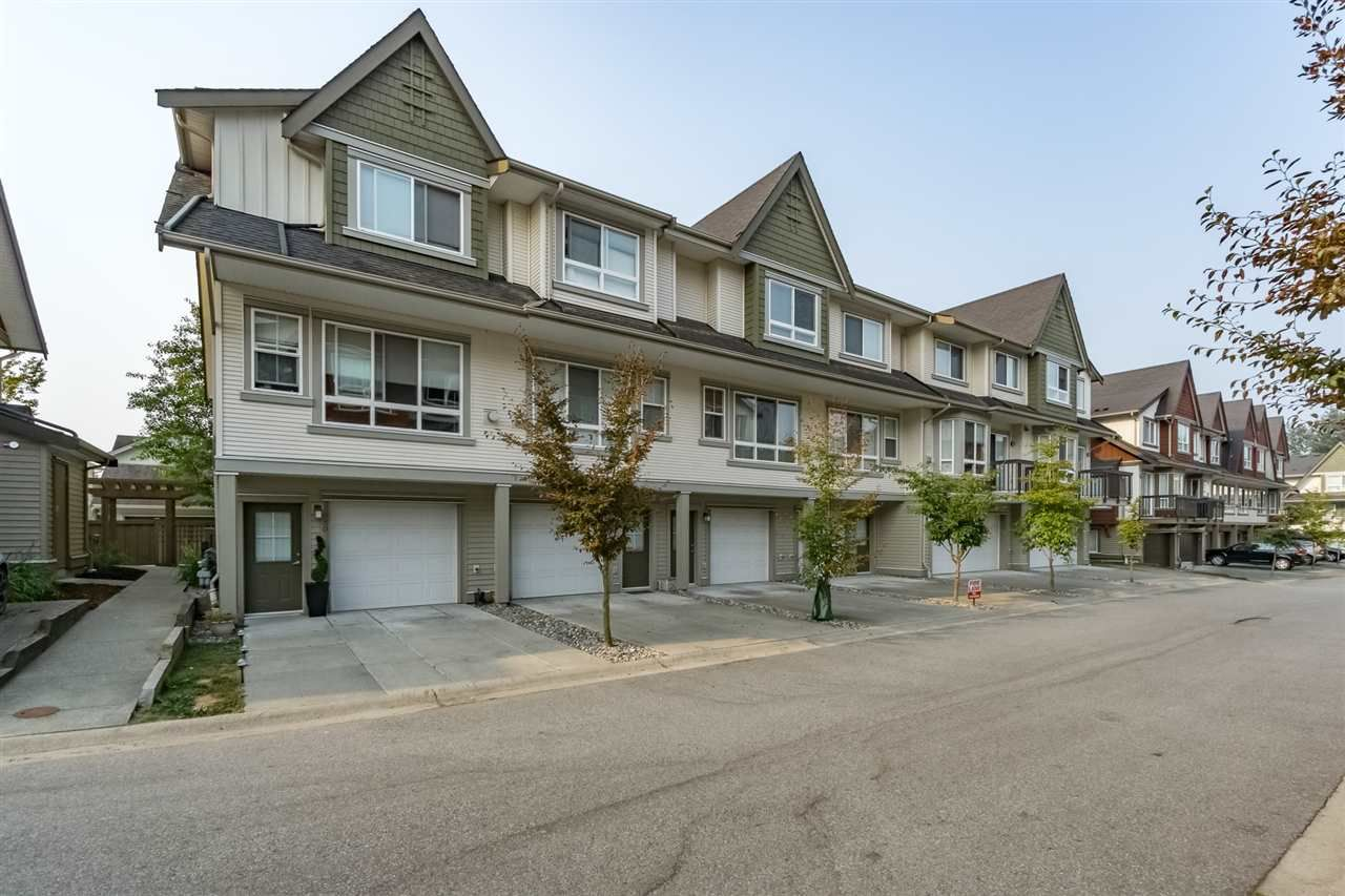 """Main Photo: 32 7155 189 Street in Surrey: Clayton Townhouse for sale in """"Bacara"""" (Cloverdale)  : MLS®# R2195862"""