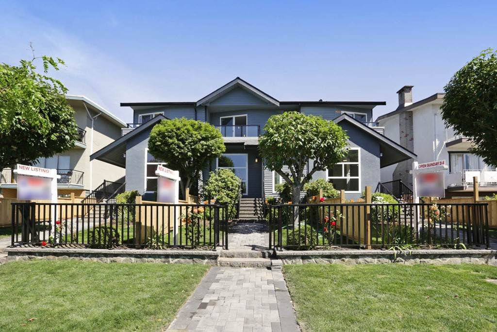 Main Photo: 268 E 9TH Street in North Vancouver: Central Lonsdale House 1/2 Duplex for sale : MLS®# R2202728