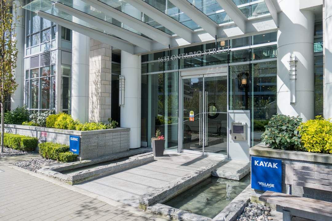 "Main Photo: 511 1633 ONTARIO Street in Vancouver: False Creek Condo for sale in ""KAYAK"" (Vancouver West)  : MLS®# R2257979"