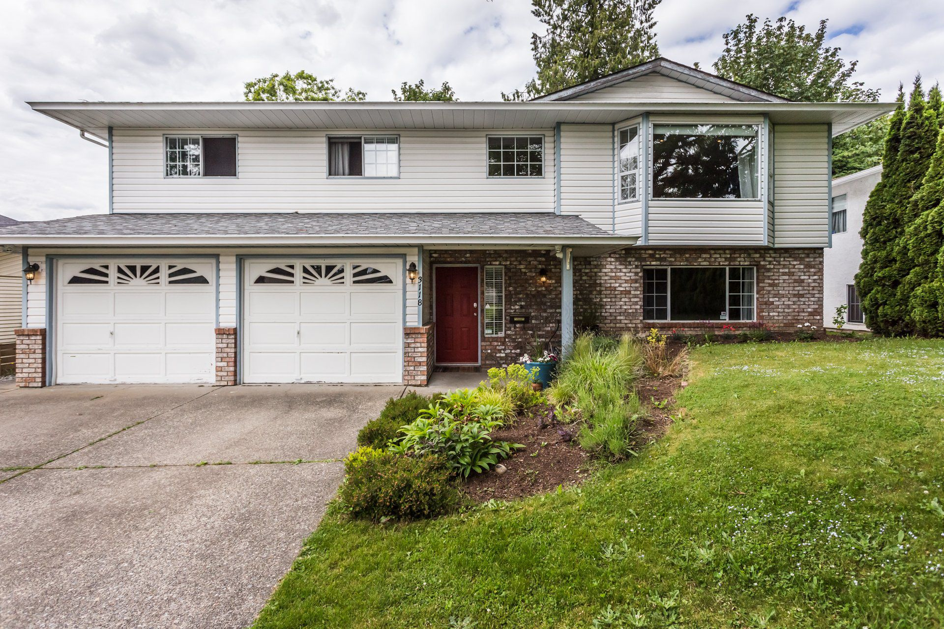 "Main Photo: 3118 BABICH Street in Abbotsford: Central Abbotsford House for sale in ""TERRY FOX"" : MLS®# R2276811"