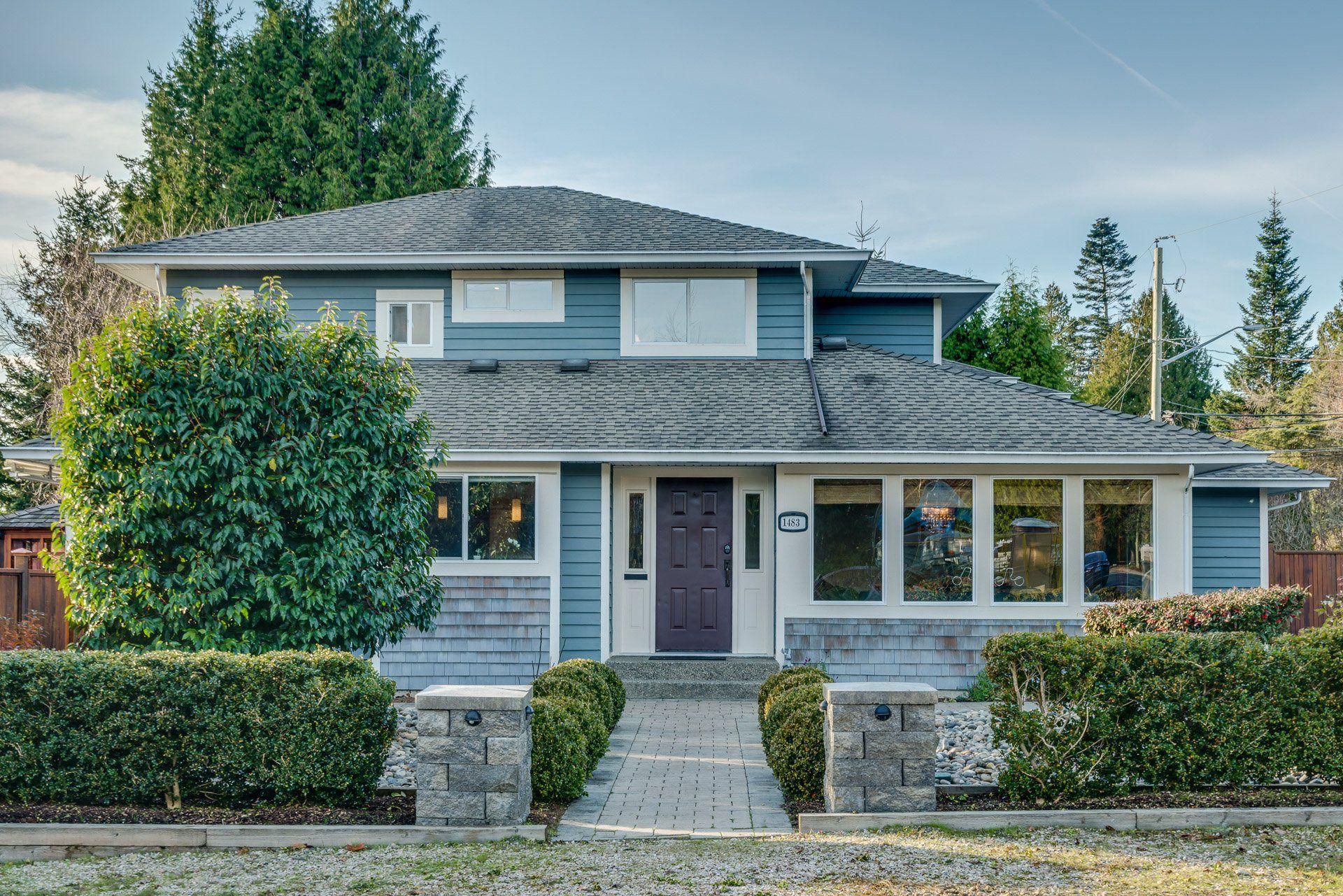 "Main Photo: 1483 136 Street in Surrey: Crescent Bch Ocean Pk. House 1/2 Duplex for sale in ""OCEAN PARK"" (South Surrey White Rock)  : MLS®# R2326975"