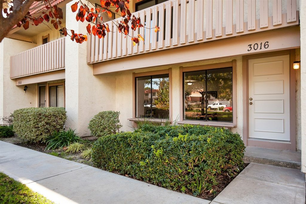 Main Photo: CARLSBAD WEST Townhome for sale : 3 bedrooms : 3016 Via De Paz in Carlsbad