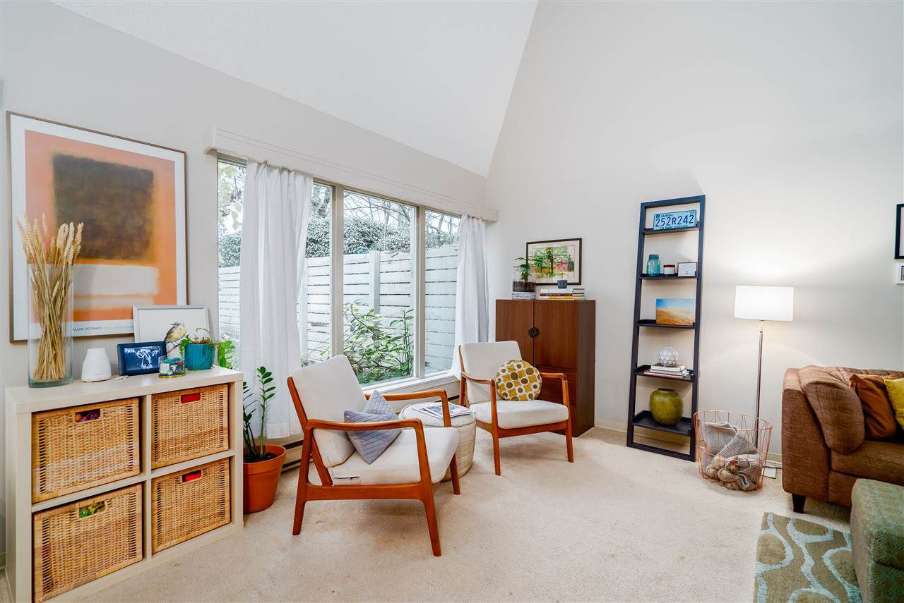 """Main Photo: 7207 CELISTA Drive in Vancouver: Champlain Heights Townhouse for sale in """"Meadows"""" (Vancouver East)  : MLS®# R2337441"""