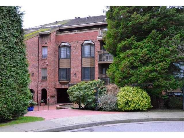 """Main Photo: 117 2320 W 40th Avenue in Vancouver: Kerrisdale Condo for sale in """"Manor Gardens"""" (Vancouver West)  : MLS®# V932358"""