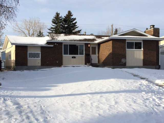 Welcome to 10 Blackthorn Place.  You will love this renovated home & this location!