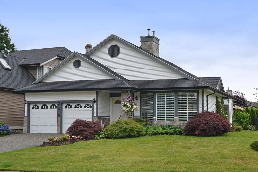 """Main Photo: 21516 87A Avenue in Langley: Walnut Grove House for sale in """"Forest Hills"""" : MLS®# R2083741"""