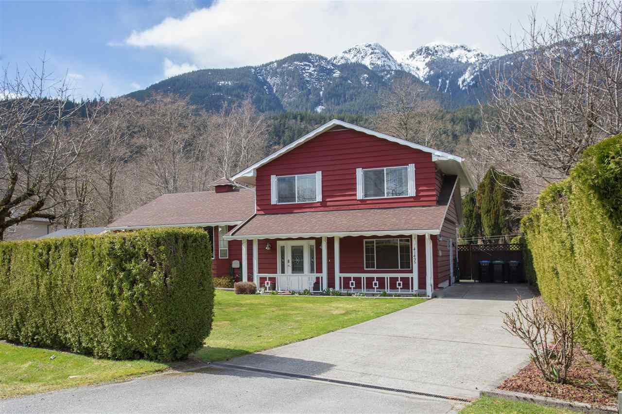 Main Photo: 41495 BRENNAN Road in Squamish: Brackendale House for sale : MLS®# R2151651