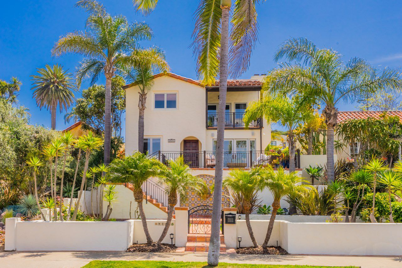 Main Photo: MISSION HILLS House for sale : 4 bedrooms : 4249 Witherby St in San Diego