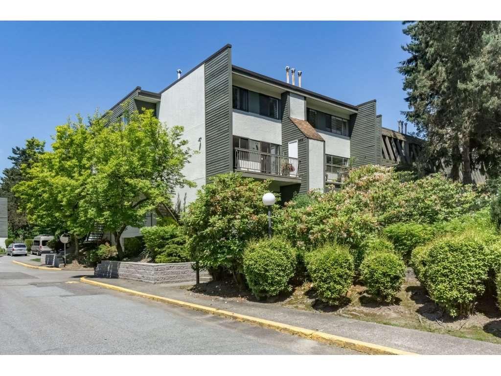 "Main Photo: 7395 CAPISTRANO Drive in Burnaby: Montecito Townhouse for sale in ""CAPISTRANO DRIVE"" (Burnaby North)  : MLS®# R2170842"