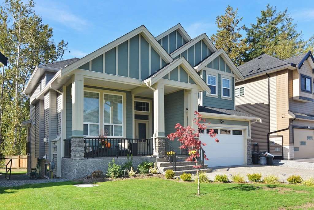 """Main Photo: 2701 CABOOSE Place in Abbotsford: Aberdeen House for sale in """"Station Woods"""" : MLS®# R2211880"""