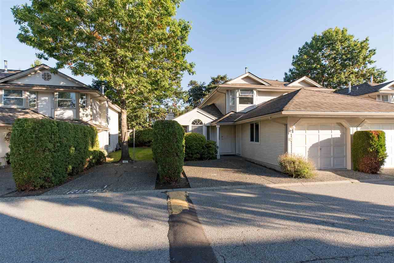 """Main Photo: 124 9045 WALNUT GROVE Drive in Langley: Walnut Grove Townhouse for sale in """"BRIDLEWOODS"""" : MLS®# R2212170"""