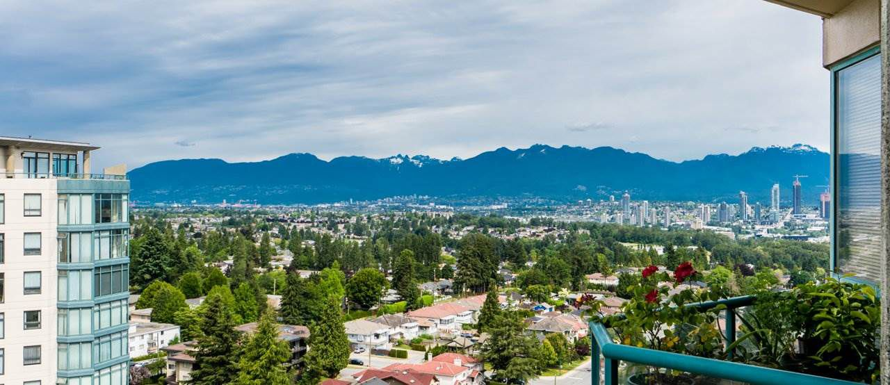 Main Photo: 1603 4603 HAZEL Street in Burnaby: Forest Glen BS Condo for sale (Burnaby South)  : MLS®# R2279593