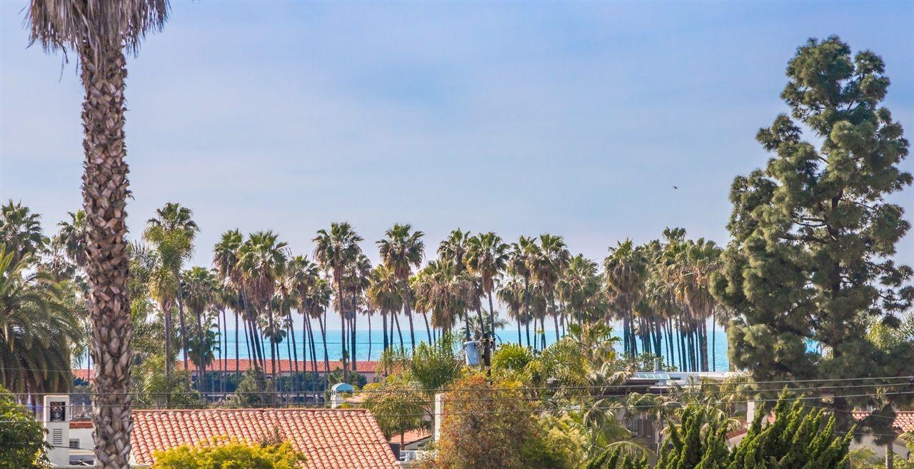 Main Photo: LA JOLLA House for sale : 3 bedrooms : 8012 La Jolla Shores Dr