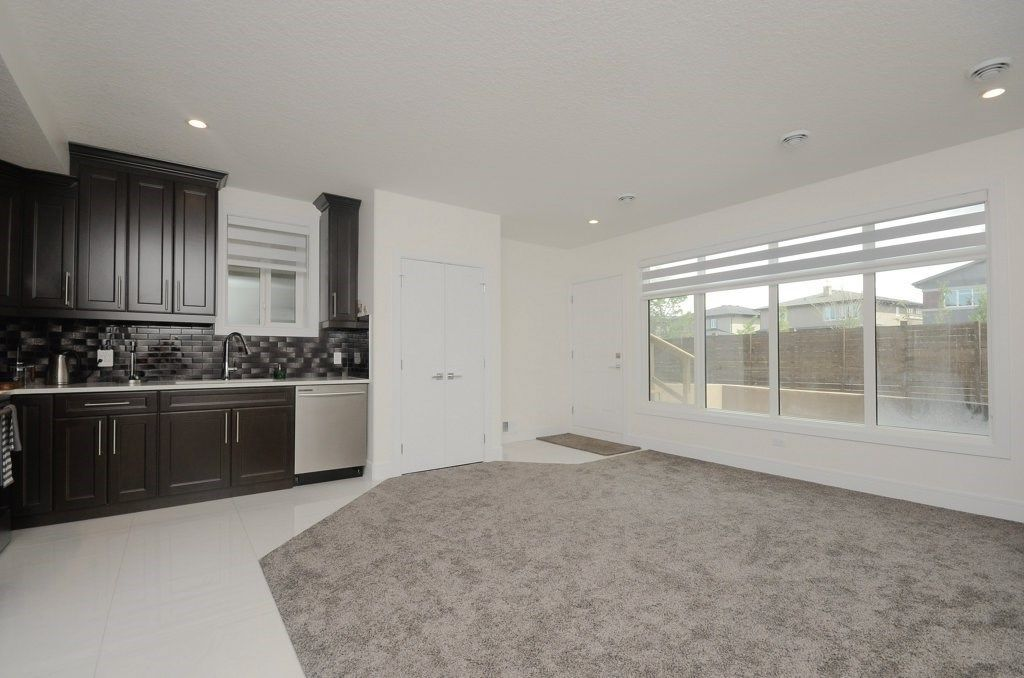 Photo 20: Photos: 919 WOOD Place in Edmonton: Zone 56 House for sale : MLS®# E4140831