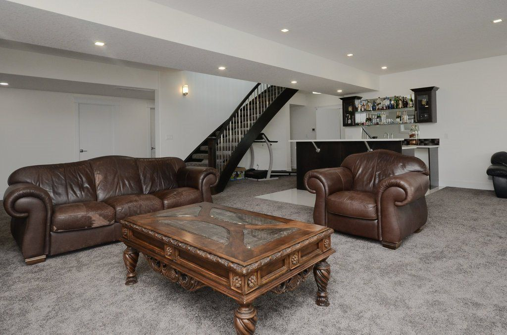Photo 25: Photos: 919 WOOD Place in Edmonton: Zone 56 House for sale : MLS®# E4140831