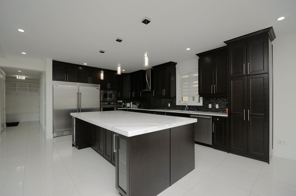 Photo 7: Photos: 919 WOOD Place in Edmonton: Zone 56 House for sale : MLS®# E4140831