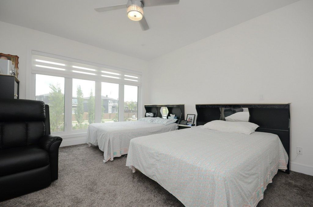 Photo 10: Photos: 919 WOOD Place in Edmonton: Zone 56 House for sale : MLS®# E4140831