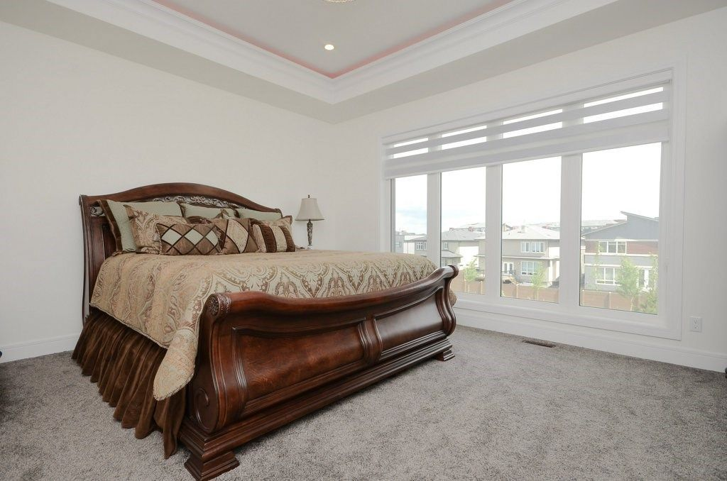 Photo 15: Photos: 919 WOOD Place in Edmonton: Zone 56 House for sale : MLS®# E4140831