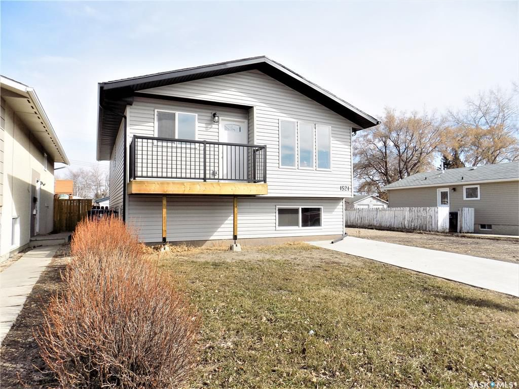 Main Photo: 1521 Laura Avenue in Saskatoon: Forest Grove Residential for sale : MLS®# SK758805