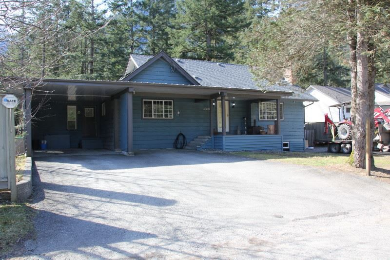 Main Photo: 63600 GAGNON Place in Hope: Hope Silver Creek House for sale : MLS®# R2346539