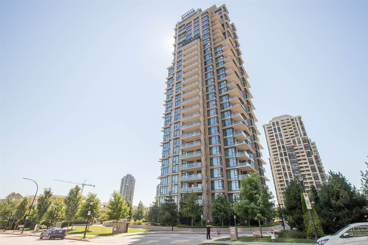 "Main Photo: 2701 2077 ROSSER Avenue in Burnaby: Brentwood Park Condo for sale in ""VANTAGE"" (Burnaby North)  : MLS®# R2349344"