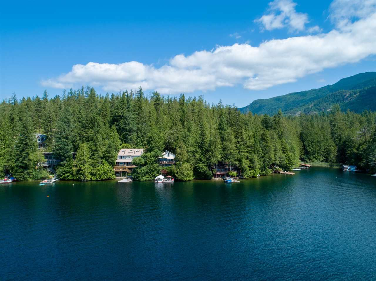 "Main Photo: 10 15200 HALLOWELL Road in Pender Harbour: Pender Harbour Egmont House for sale in ""Sakinaw Lake"" (Sunshine Coast)  : MLS®# R2386865"