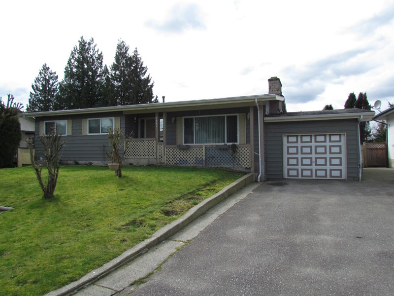 Main Photo: 2061 TOPAZ Street in ABBOTSFORD: Abbotsford West House for rent (Abbotsford)