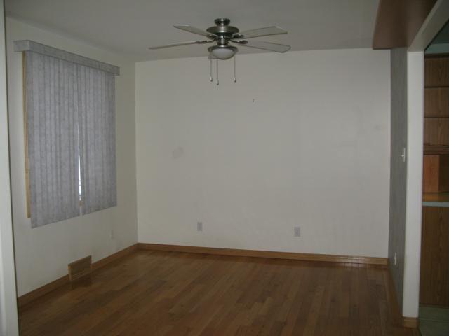 Photo 3: Photos: 412 Conway Street in WINNIPEG: St James Single Family Detached for sale (West Winnipeg)  : MLS®# 1224216