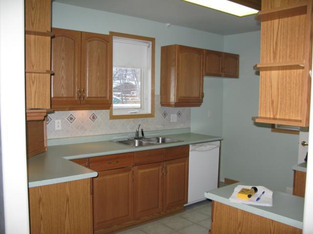 Photo 2: Photos: 412 Conway Street in WINNIPEG: St James Single Family Detached for sale (West Winnipeg)  : MLS®# 1224216