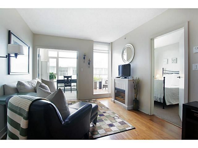 Main Photo: # 707 2228 W BROADWAY ST in Vancouver: Kitsilano Condo for sale (Vancouver West)  : MLS®# V1016637