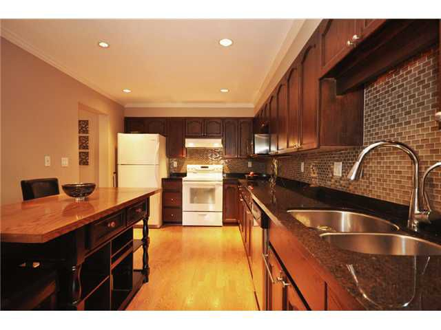"""Main Photo: 309 1230 QUAYSIDE Drive in New Westminster: Quay Condo for sale in """"TIFFANY SHORES"""" : MLS®# V1063010"""