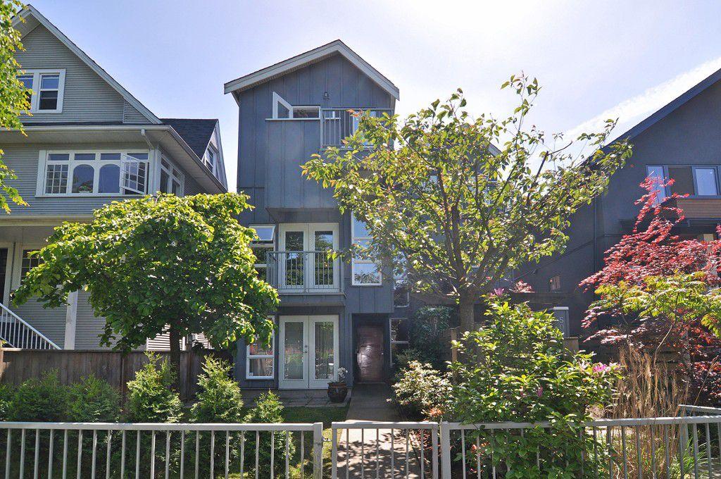 Main Photo: 510 E 7TH Avenue in Vancouver: Mount Pleasant VE House 1/2 Duplex for sale (Vancouver East)  : MLS®# V1064952