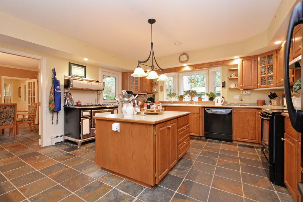 "Main Photo: 24138 FERN Crescent in Maple Ridge: Silver Valley House for sale in ""Silver Valley"" : MLS®# R2043047"