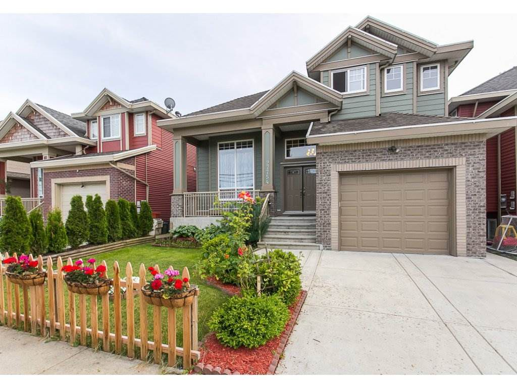 """Main Photo: 27754 PULLMAN Avenue in Abbotsford: Aberdeen House for sale in """"Station"""" : MLS®# R2077077"""