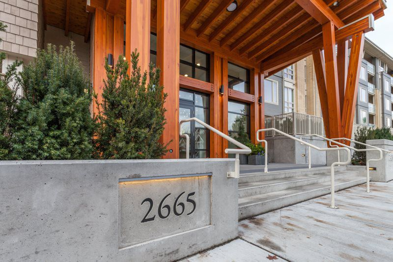 """Main Photo: 203 2665 MOUNTAIN Highway in Vancouver: Lynn Valley Condo for sale in """"CANYON SPRINGS"""" (North Vancouver)  : MLS®# R2085082"""