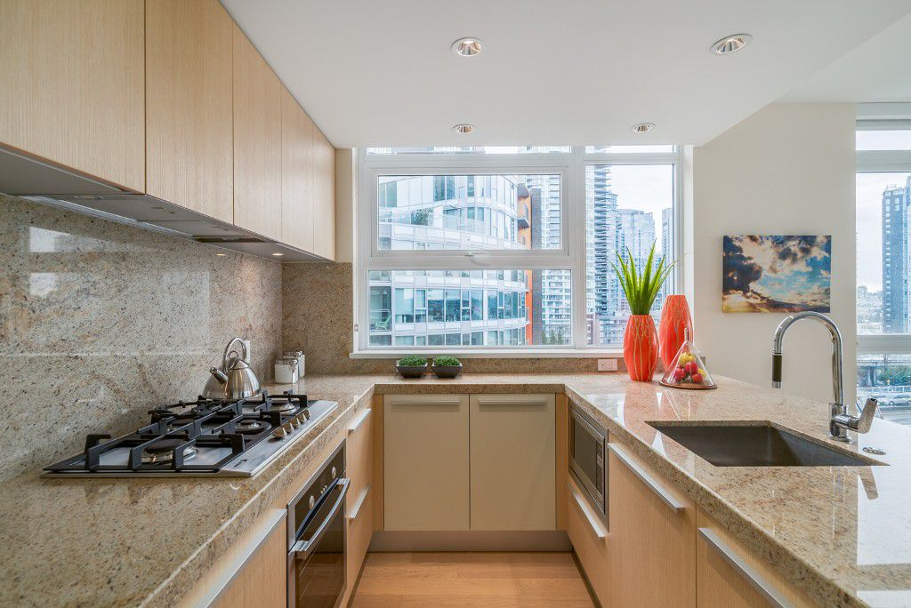 """Main Photo: 806 1351 CONTINENTAL Street in Vancouver: Downtown VW Condo for sale in """"MADDOX"""" (Vancouver West)  : MLS®# R2147393"""