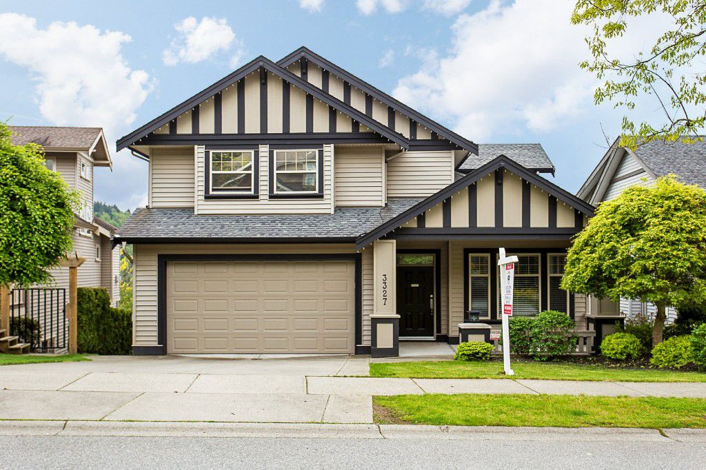 "Main Photo: 3327 BLOSSOM Court in Abbotsford: Abbotsford East House for sale in ""THE HIGHLANDS"" : MLS®# R2167502"
