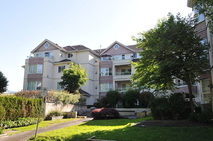"""Main Photo: 401 2620 JANE Street in Port Coquitlam: Central Pt Coquitlam Condo for sale in """"JANE GARDEN"""" : MLS®# R2173675"""