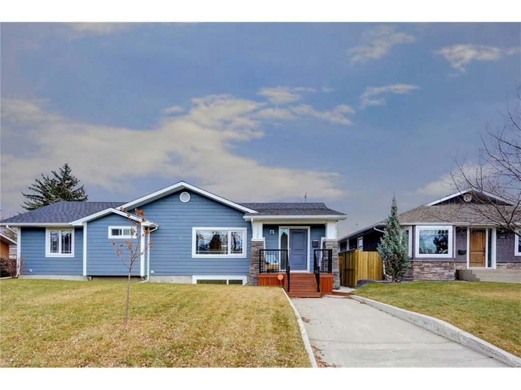 Main Photo: 1936 KELWOOD Drive SW in Calgary: Glendale House for sale : MLS®# C4089486