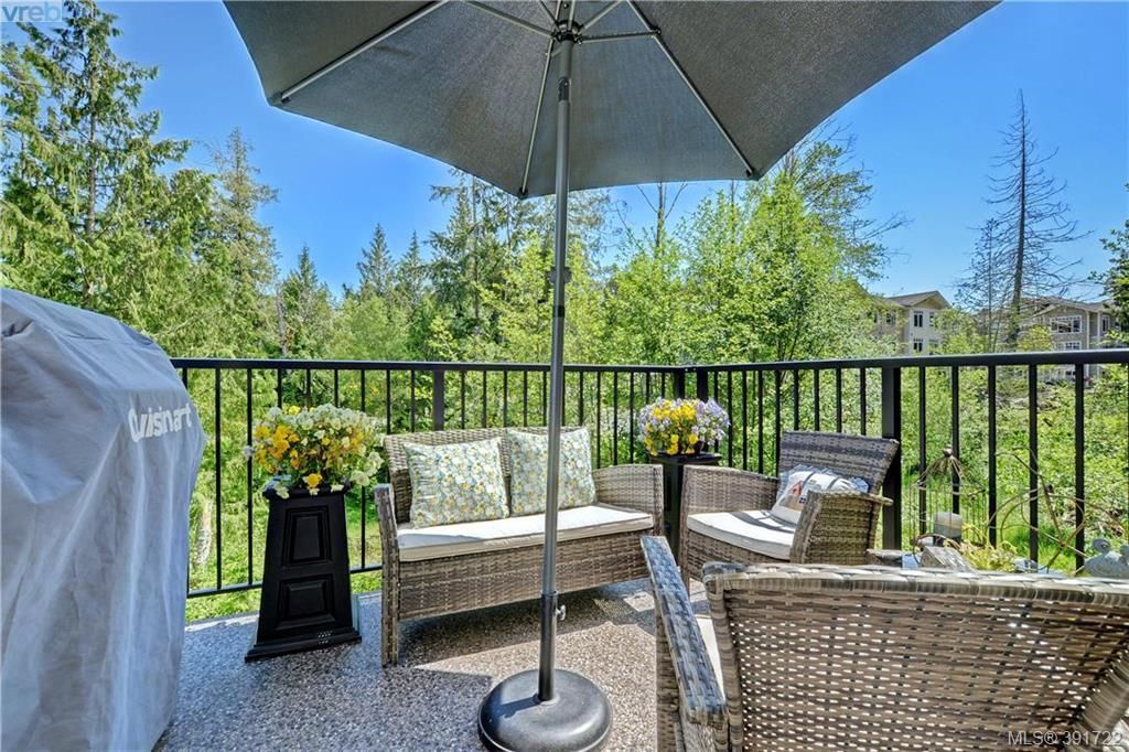 Main Photo: 202 595 Latoria Road in VICTORIA: Co Olympic View Condo Apartment for sale (Colwood)  : MLS®# 391722